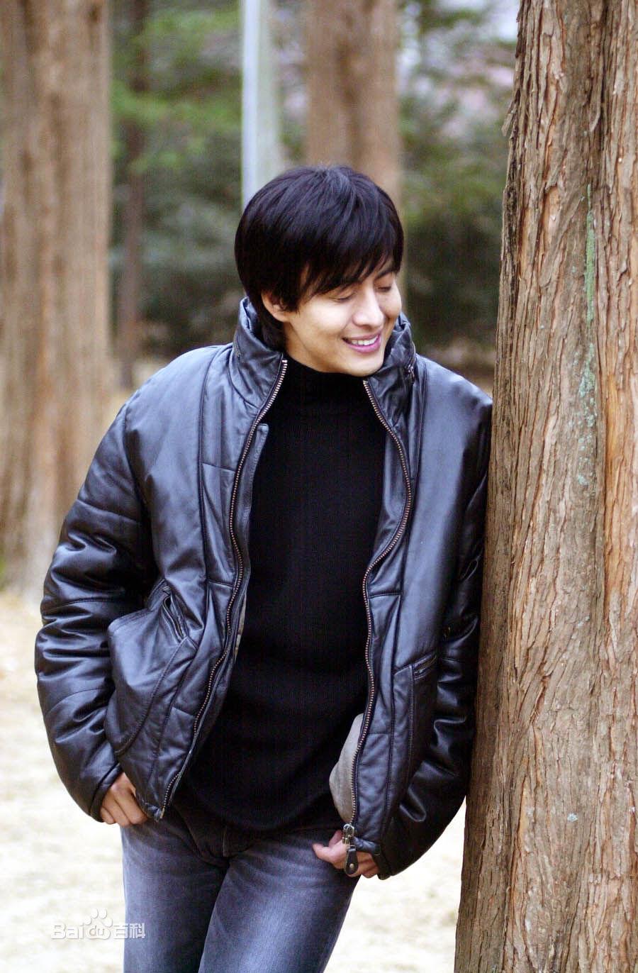 裴勇俊的公司_裴勇俊-明星代言选北京星光闪耀-中国最大的明星代言公司